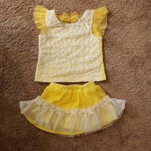 NWOT LittleLass Yellow 2 Piece Set Size 18 Month